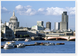 Hire A Cheap Coach or Luxury Minibus for London Day Trips | Days Out and Nights Out in London UK